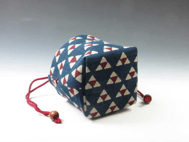 Sake Cup  Pouch (Mitsuuroko (Traditional triangle) pattern)