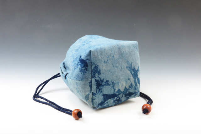 "Sake cup pouch (Japan Blue ""Attractive Aura"" style)"