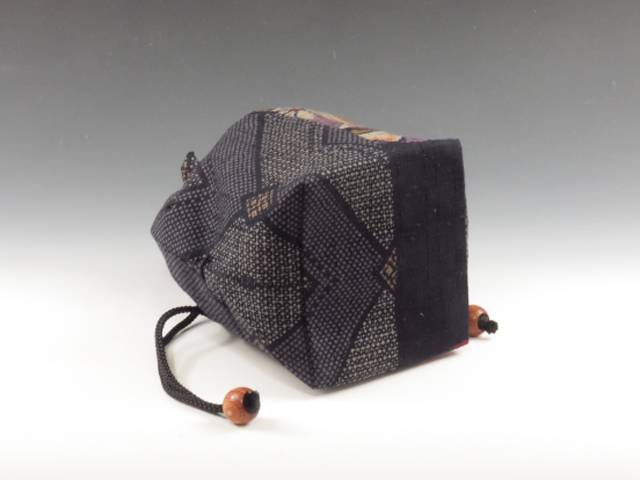 "Sake cup pouch (""Cloth ball"" pattern)"